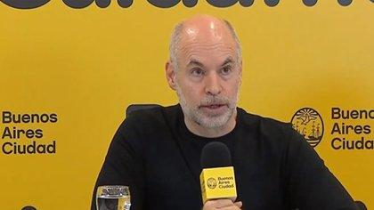 Horacio Rodríguez Larreta en la conferencia de prensa de anoche, en la sede de Uspallata.
