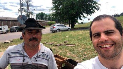 Eduardo y una selfie sacada por Alejandro Melhem, gerente general de Mercado Pago en la Argentina