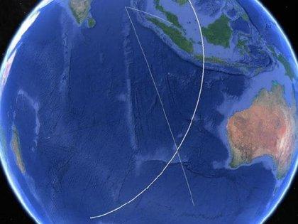 El centro de la x es el lugar en donde el satélite intentó por última vez conectarse con el avión. Se cree que la nave se estrelló en el océano Indico del Sur