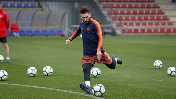 Messi regresó a los entrenamientos con el Barcelona