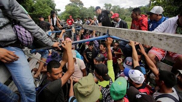Algunos migrantes hondureños retornaron a su país luego de entrar de manera ilegal a Guatemala. (Foto: Reuters)
