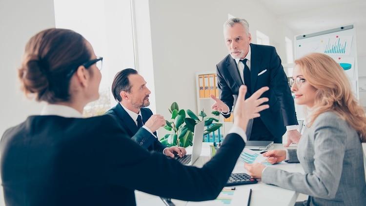 A diferencia del líder accidental, no hacen daño a la organización activamente, pero tampoco apoyan a su equipo activamente (Shutterstock)