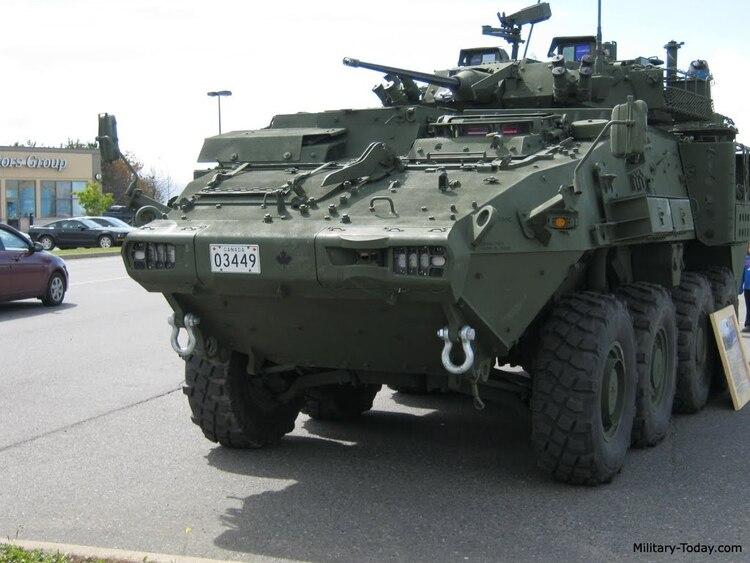 Vehículos canadienses LAV 6
