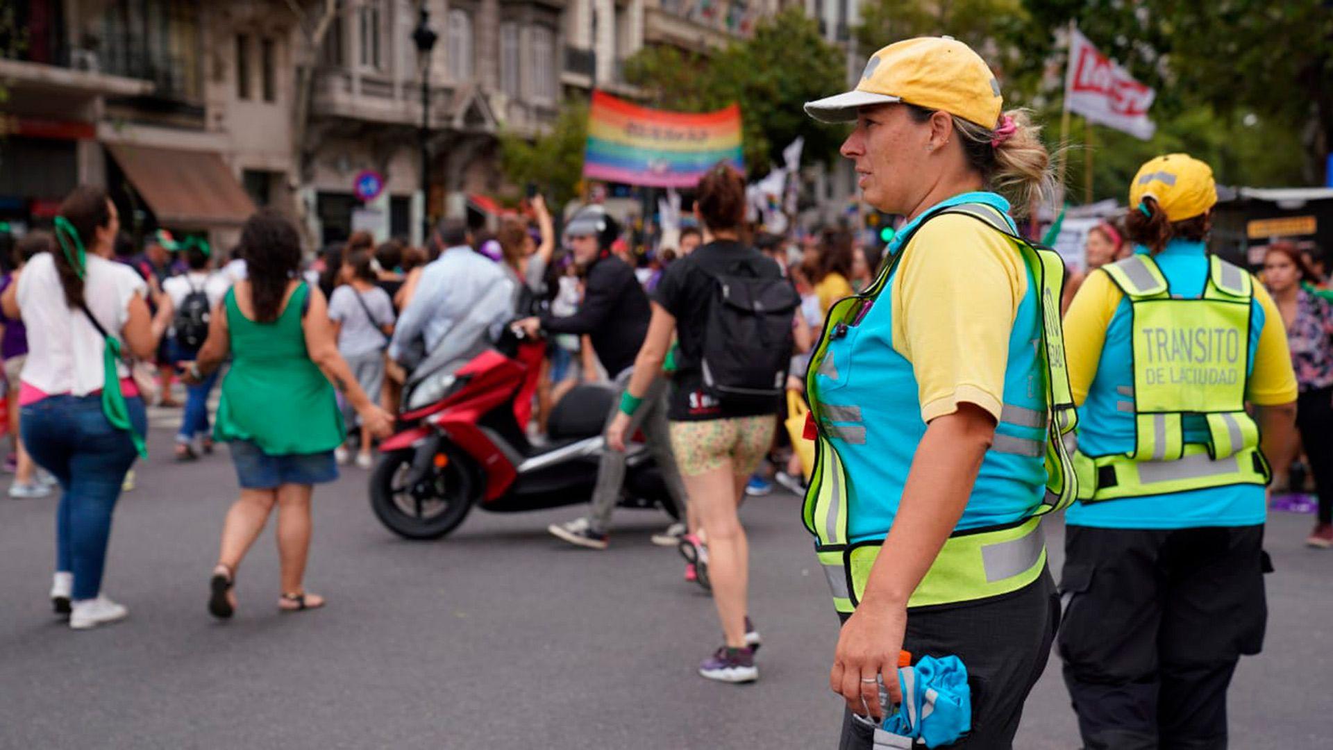 La marcha estuvo custodiada por mujeres policías de la Ciudad (Camila Ferreyra)