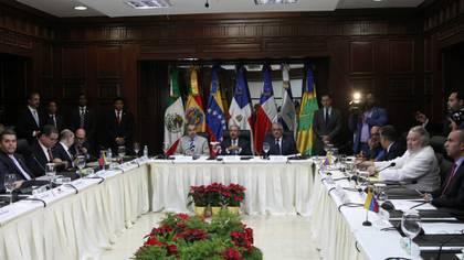 La mesa de diálogo entre el gobierno y la oposición en República Dominicana