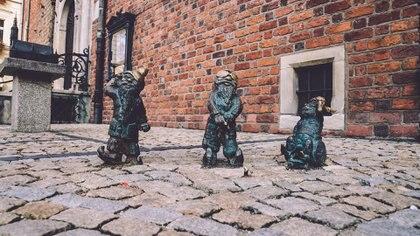 En Wroclaw, Polonia, se encuentran 180 esculturas de gnomos distribuidas por toda la localidad (Getty Images)