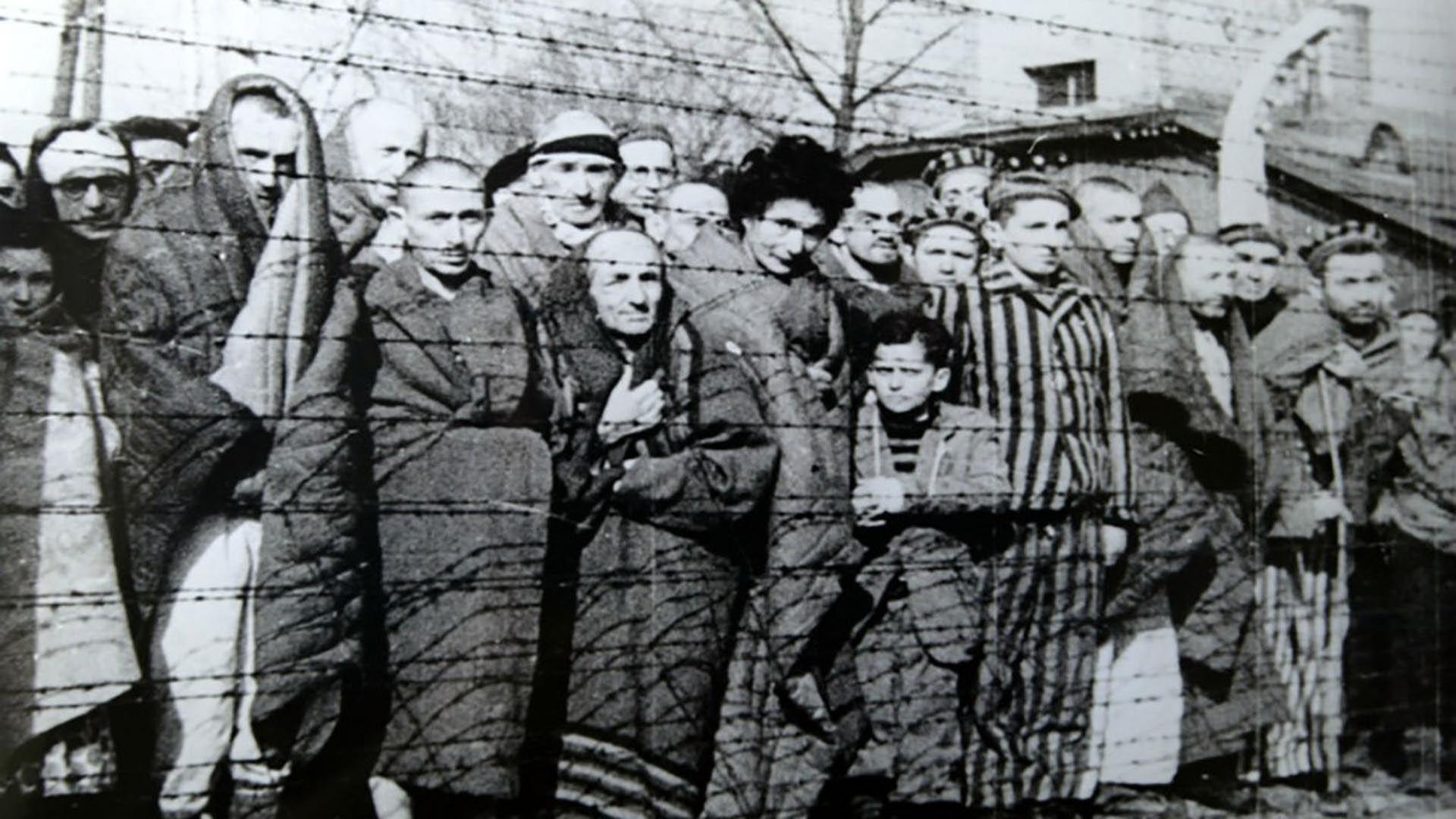 Dey sirvió a los 17 años en el campo de concentración de Stutthof, en la actual Polonia