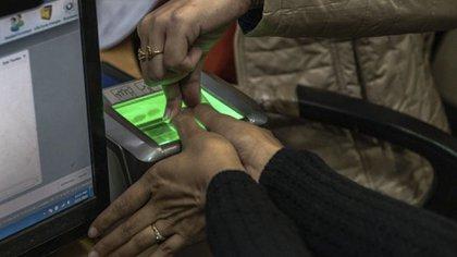 La cirugía puede ayudar incluso a modificar las huellas digitales (Foto: Gentileza de The New York Times)