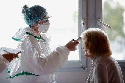 Los enfermeros tienen pleno empleo en la Argentina y están entre los más demandados (Reuters)