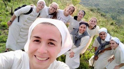 En Calmayo, Córdoba, de vacaciones con las hermanas.
