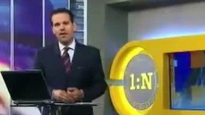 El conductor Carlos Loret de Mola transmitió el supuesto operativo en su programa Primero Noticias (1:N). (Foto: captura de pantalla)