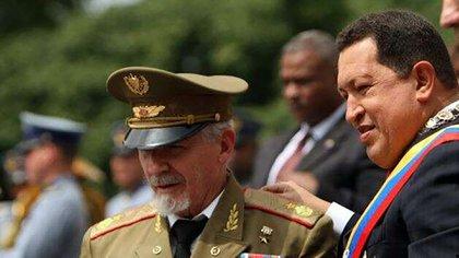El veterano revolucionario cubano Ramiro Valdés Menéndez fue nombrado por Chávez como encargado de una comisión para resolver la crisis energética en Venezuela y se convirtió en el hombre clave del castrismo en Caracas (EFE)