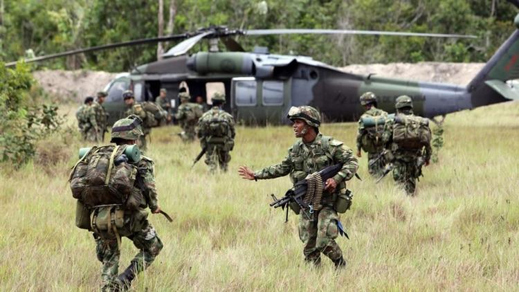 Un operativo del Ejército colombiano contra grupos guerrilleros