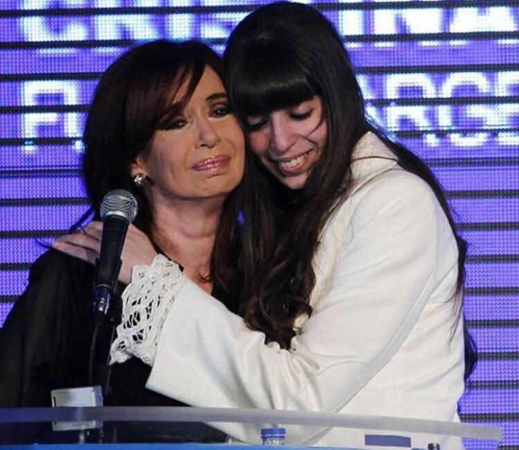 Cristina y Florencia se encontrarán en la Habana, el 11 de julio, a un mes exacto de las PASO. (cfkfotos)