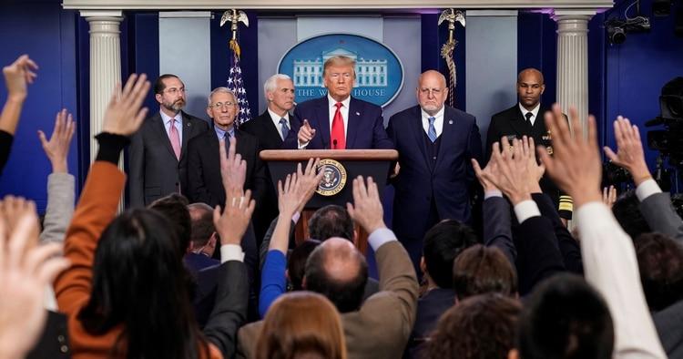 Donald Trump confirmó la muerte durante una rueda de prensa el 29 de febrero de 2020 (REUTERS/Joshua Roberts)