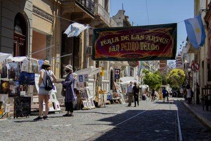 En el año de 50 aniversario reabrió en la ciudad de Buenos Aires la Feria San Pedro Telmo