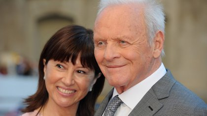 Anthony Hopkins y Stella Arroyave (Getty Images)