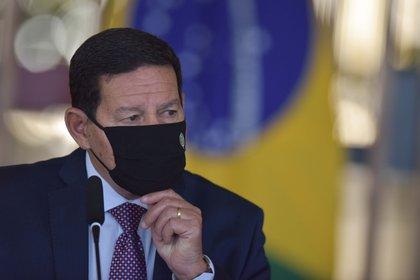 En la imagen, el vicepresidente de Brasil, Hamilton Mourao. EFE/Andre Borges/Archivo
