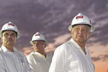 Imagen de archivo del presidente, Andrés Manuel López Obrador, en una visita durante la construcción de una refinería de Pemex en el puerto de Dos Bocas, en Paraíso, estado de Tabasco. (Foto: Presidencia de México/Distribuida vía REUTERS)