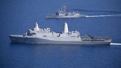 El buque USS Arlington