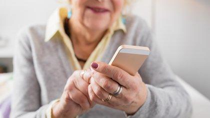 Una abuela tuvo que sacar las fotos de sus nietos en Facebook y Pinterest por orden de un juez (imgen ilustrativa/Shutterstock.com)