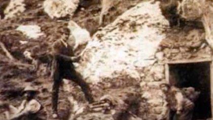 Martson en sus minas, donde pudo experimentar con explosivos.