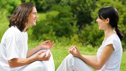 Debido a los beneficios de la práctica de la risa nació el Laughter Yoga (Yoga de la risa), allá por 1995 y que hoy se practica en 53 países y tiene alrededor de 5000 clubes en el mundo (Shutterstock)