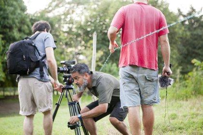 Víctor Cruz trabajando en su documental