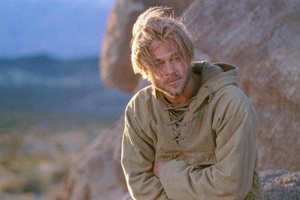 """Brad Pitt grabando en la Argentina la película """"Siete años en el Tibet"""" en 1997 (Shutterstock)"""