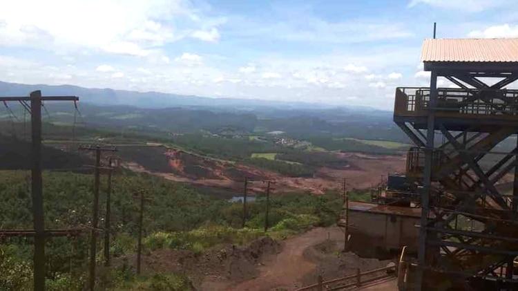 """La minera afirmó que su """"prioridad total, en este momento, es preservar y proteger la vida de los empleados y de los habitantes"""" (Foto: Cuerpo de Bomberos / Divulgación)"""