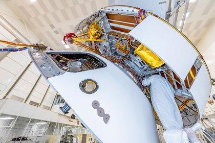 La NASA cuenta con la participación de la Agencia Espacial Europea (ESA) y el trabajo de centenares de científicos de más de una decena de nacionalidades que gracias a varios vehículos de transporte conseguirán el retorno. (NASA/JPL-Caltech)