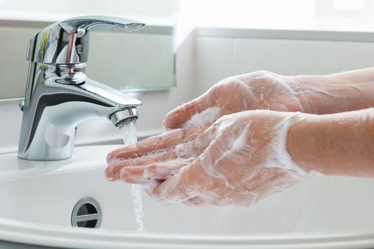 El lavado frecuente de manos es la medida más recomendada para prevenir el coronavirus (Shutterstock)