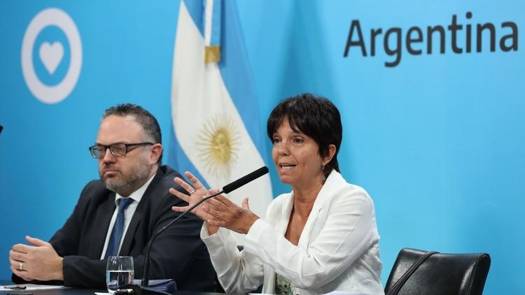 El ministro de Desarrollo Productivo, Matías Kulfas, y la titular de la AFIP, Mercedes Marcó del Pont, cuando hace dos semanas anunciaron la reglamentación de la Moratoria