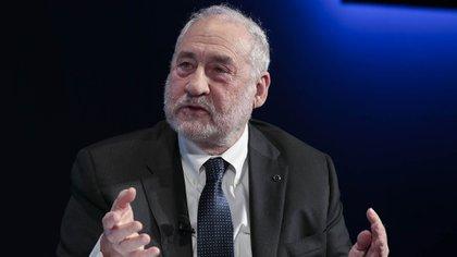"""Joseph Stiglitz, escribió en su libro El precio de la desigualdad: """"el 1% de la sociedad tiene lo que el otro 99% necesita"""". La conclusión parece obvia: hay que quitar este capital a aquellos a quienes les sobra y repartirlo entre aquellos a quienes les falta (Bloomberg)"""
