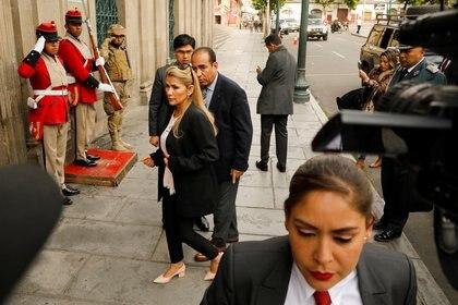 Jeanine Añez arriba al Palacio Presidencial en La Paz (REUTERS/Marco Bello)