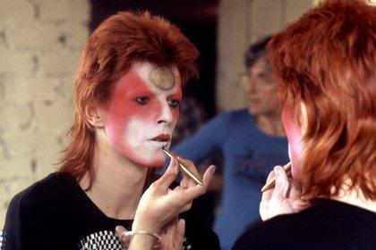 David Bowie en la piel de Ziggy Stardust (R. Bamber/Shutterstock)