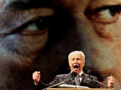 Shimon Peres en la conmemoración del asesinato del primer ministro, Yitzhak Rabin 12 de noviembre de 2005