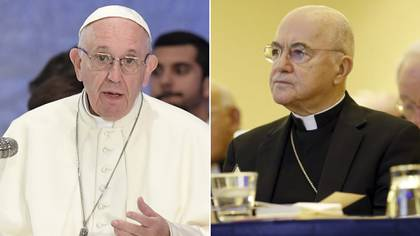 El papa Francisco y Carlo Maria Vigano (AFP)