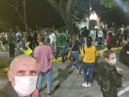 José Luis Espert, hoy integrante del frente Vamos, también se sumó a las movilizaciones en Olivos (Foto Twitter)