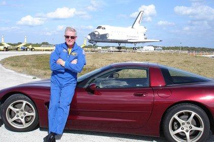 Jon McBride es el jefe del programa de astronautas del Kennedy Space Center Astronaut Encounter