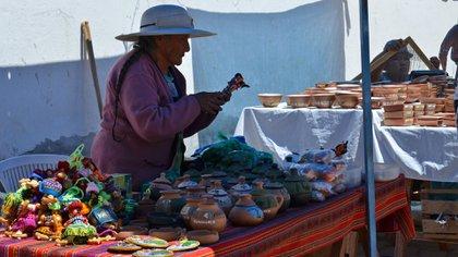 En las ferias de artesanos se puede encontrar todo tipo de manualidades y recuerdos de la provincia de Jujuy (Foto: Martín Rosenzveig)