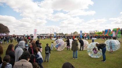 El evento, pensado especialmente para clientes y amigos de la marca, se realizó en el Hipódromo de San Isidro y asistieron más de 7000 personas