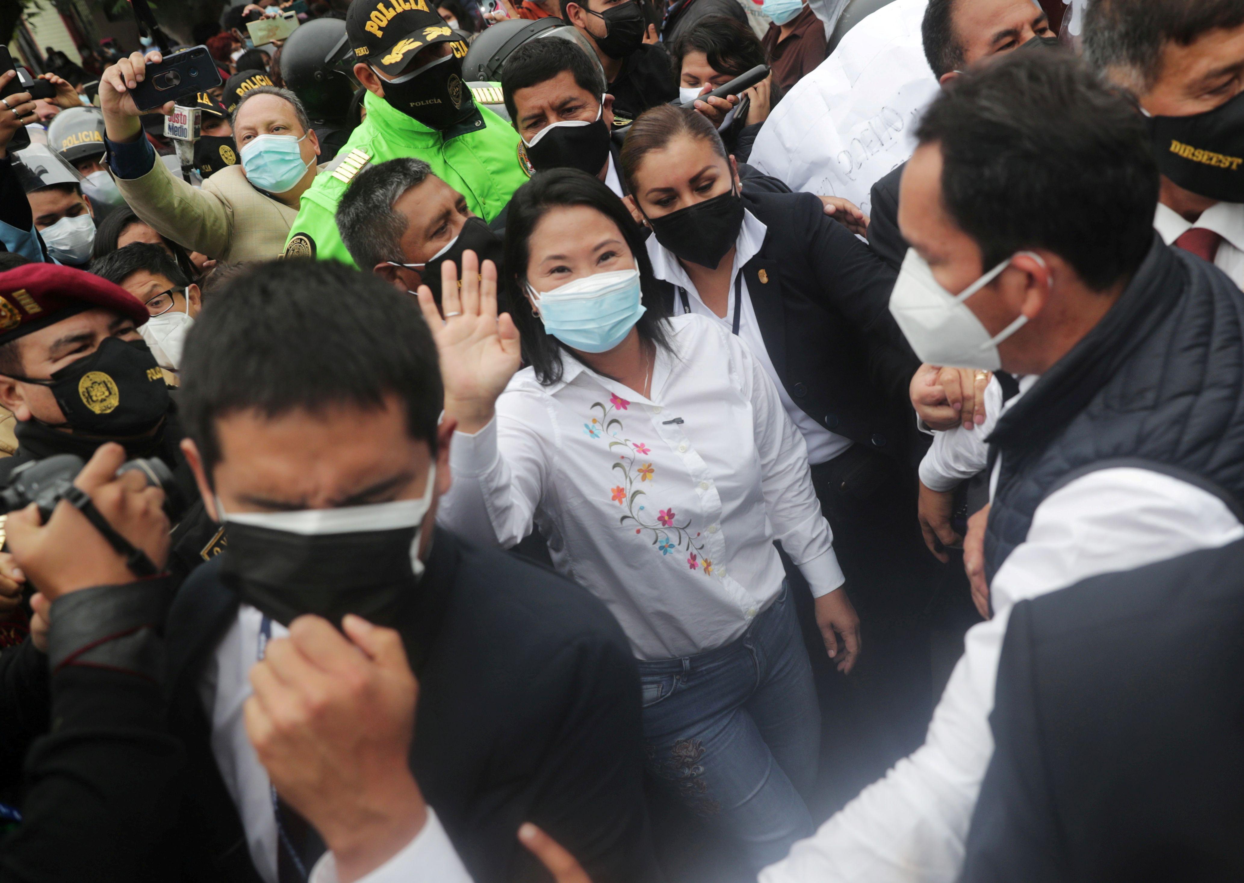 Fujimori tras votar este domingo en Lima (Foto: REUTERS/Sebastian Castaneda)