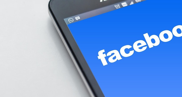 La red social es muy utilizada por personas mayores de 40 años