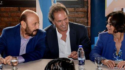 El gobernador peronista se sumó a las 16 provincias que decidieron desdoblar los comicios (Nicolás Stulberg)
