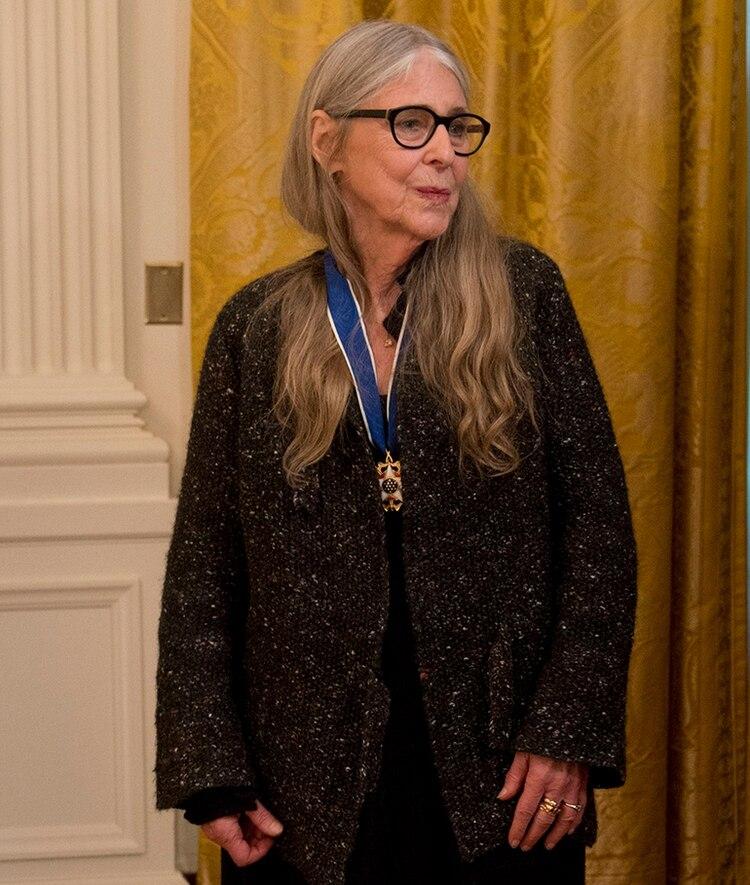 Hamilton recibió, el 22 de noviembre de 2016, la Medalla Presidencial de la Libertad, de manos del entonces presidente de Estados Unidos Barack Obama, por su trabajo en la NASA durante las misiones Apolo.(Shutterstock)