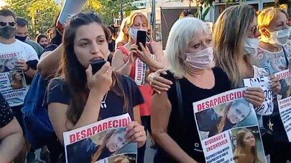 En La Falda, cientos de personas marcharon para pedir justicia por la mujer asesinada