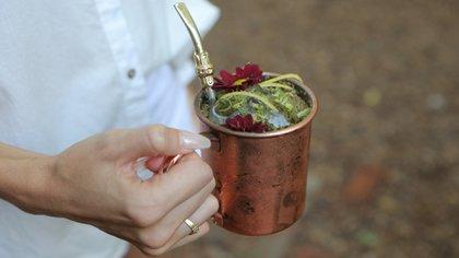 Hierbas y flores típicas del país se fusionan en un sabor único (Crédito: prensa Susurro Nativo)