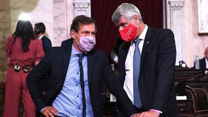 El senador Luis Naidenoff junto al diputado Ricardo Burayaile, ambos formoseños y radicales (Comunicación Senado)