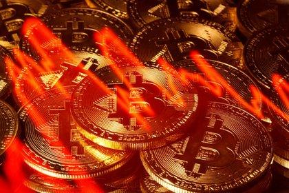 Ilustración fotográfica de la criptomoneda Bitcoin. 13 marzo 2020. REUTERS/Dado Ruvic